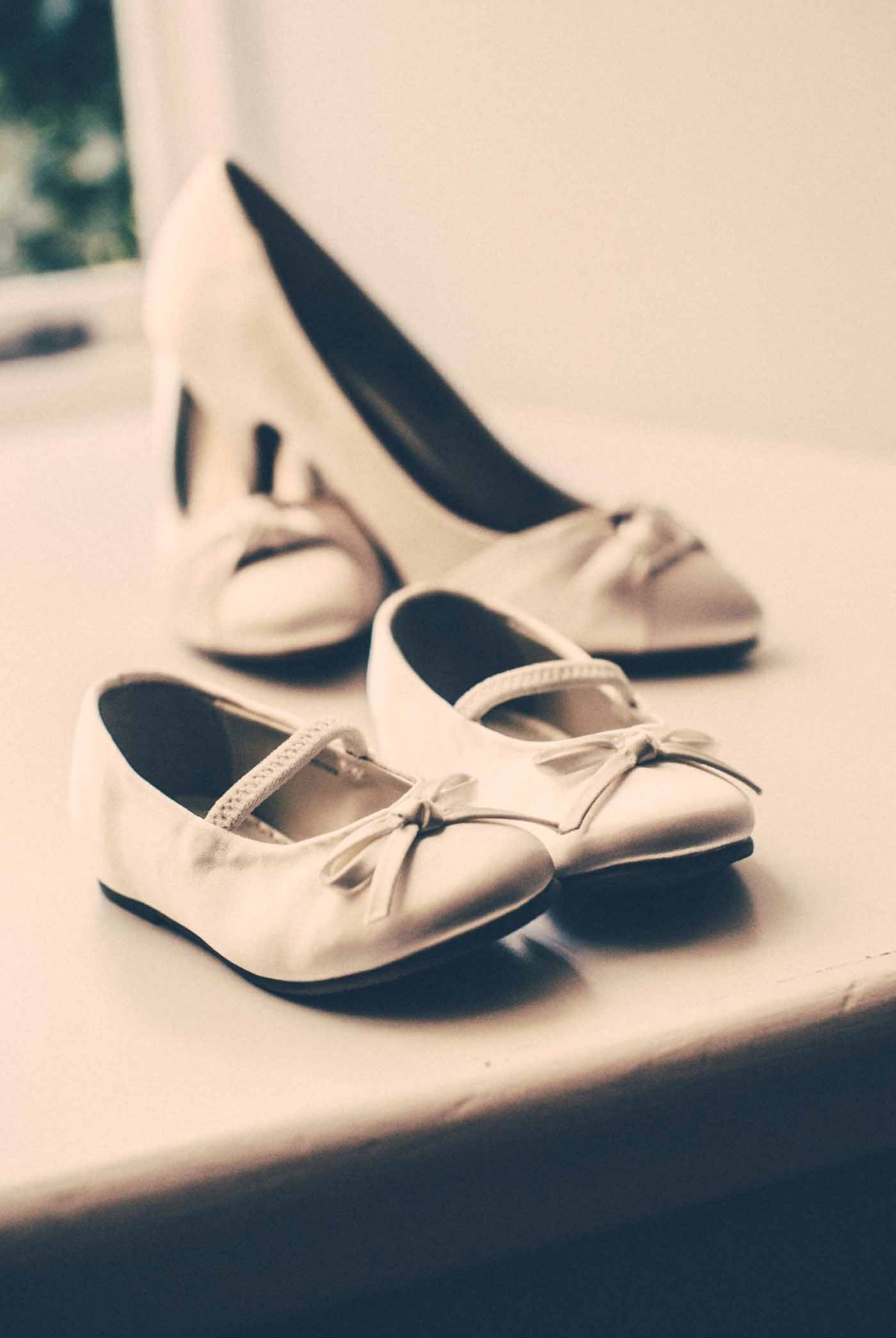 flowergirl-shoes-GRW-Photography
