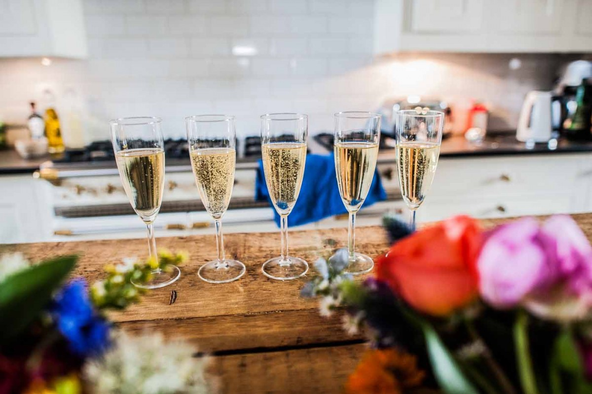 wedding-champagne-Glazebrook-House-GRW-Photography