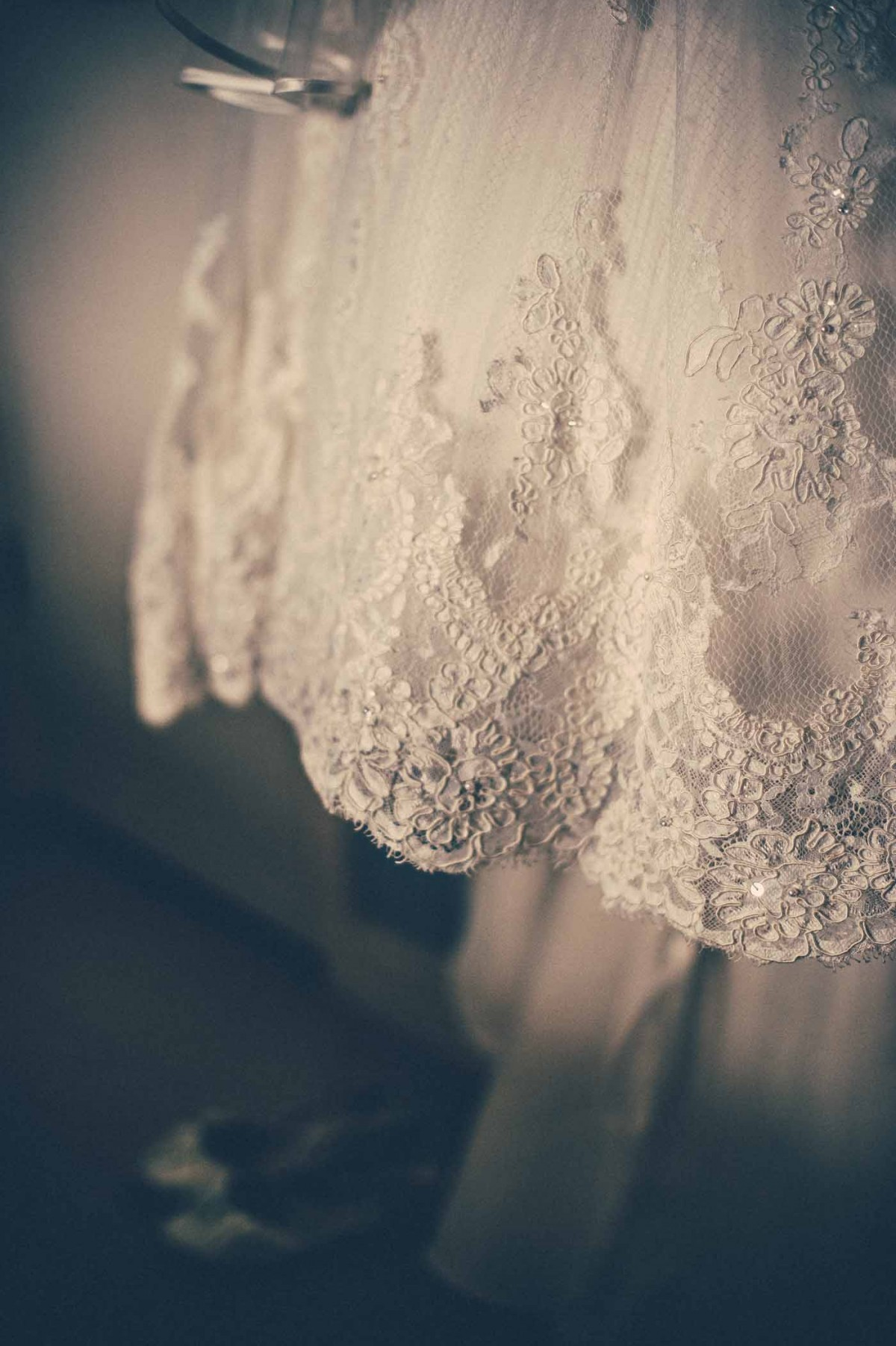 wedding-dress-Swansea-GRW-Photography