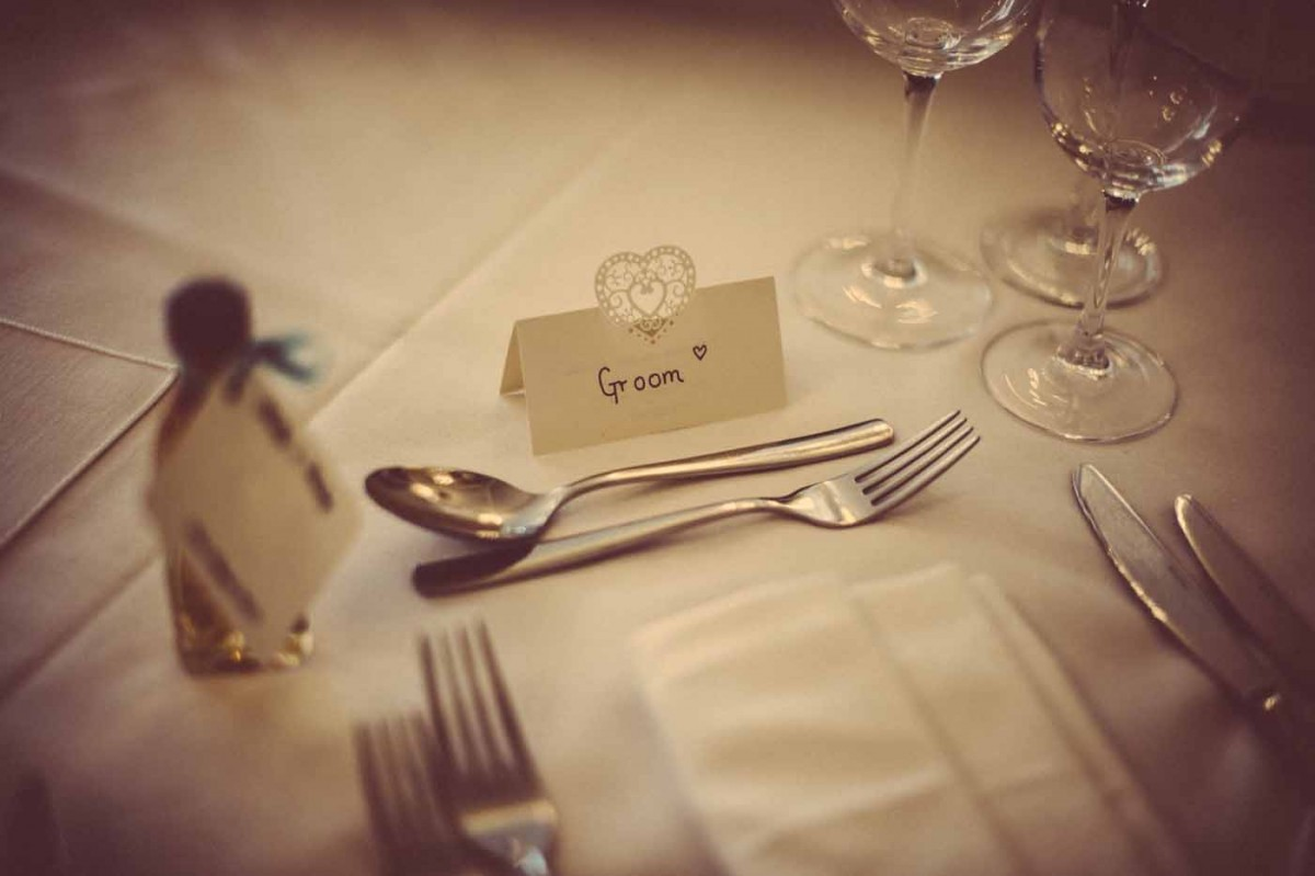 wedding-place-setting-GRW-Photography
