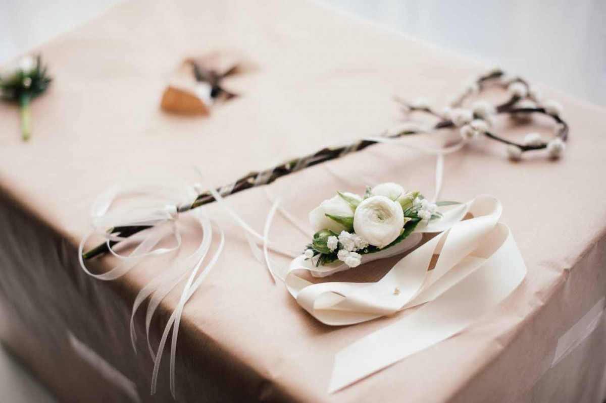 wedding-wand-corsage-GRW-Photography