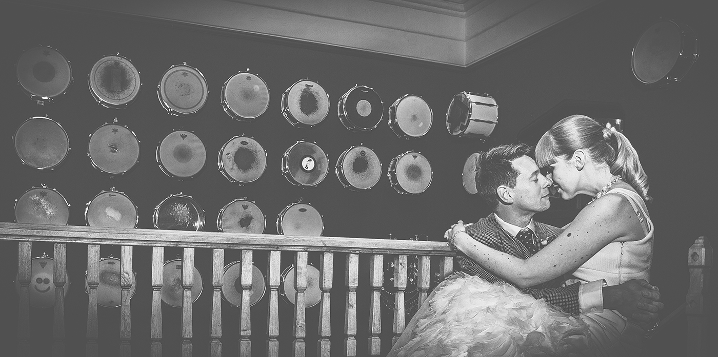quirky-wedding-venues-Glazebrook-House-GRW-Photography